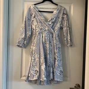 Alexia Admor blue floral dress!